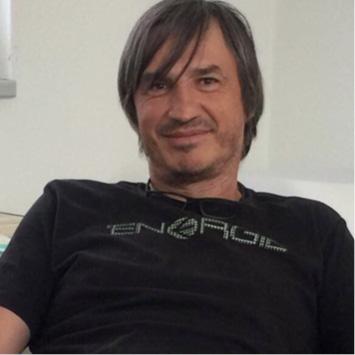 Dr. Andreas Simon