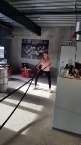 Jenny - Trainerin und Sportrebell zeigt an den Ropes, wie stark sie ist